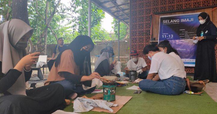 KENALKAN BATIK KE MASYARAKAT, MAHASISWA PENDIDIKAN SENI RUPA GELAR WORKSHOP